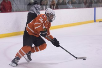 UT's Shaan Greenberg shows some nice puck handling in Friday's game.